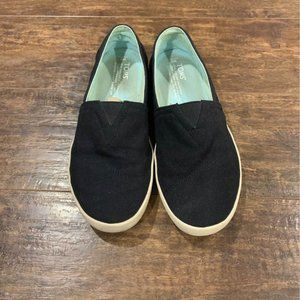 TOMS slip on canvas black shoes